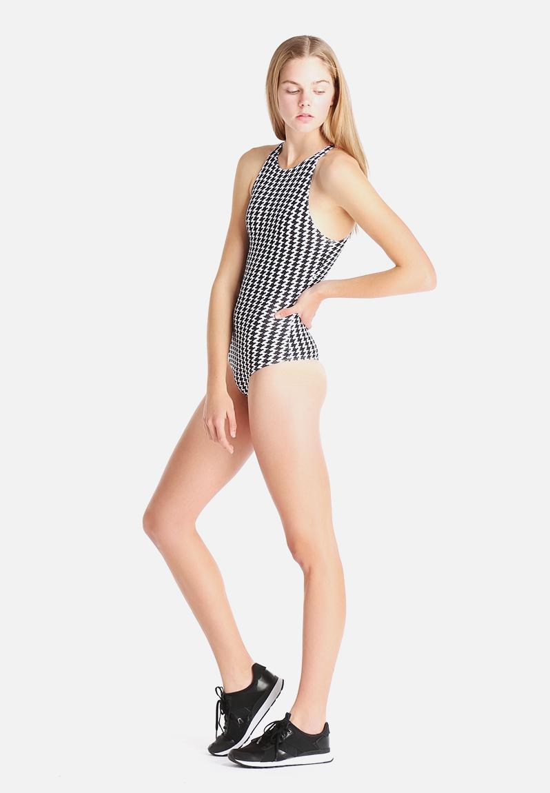how to wear american apparel bodysuit